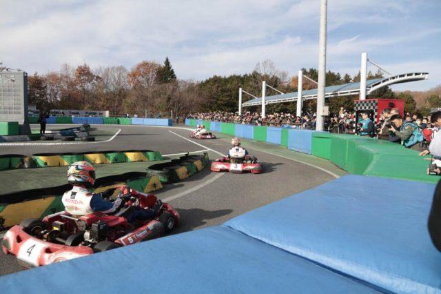 全ジャンルのライダー&ドライバーによるカートの勝負。佐藤琢磨選手が勝つ!